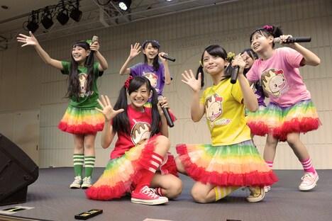 本日11月10日に大阪・あべのキューズモールで行われたたこやきレインボーのイベントの様子。