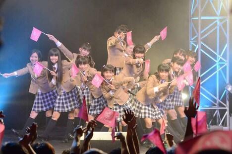 さくら学院「さくら学院 デビュー3周年記念LIVE ~ Towards Our Dream with You ~」ライブの様子。