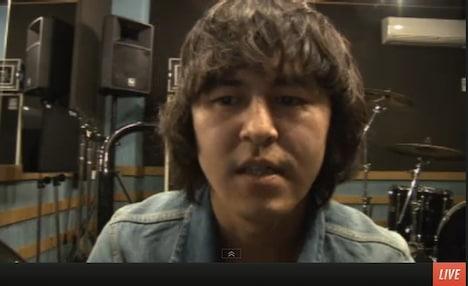 銀杏BOYZから脱退することを発表した村井守(Dr)。
