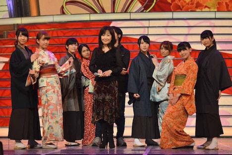 AKB48&伍代夏子のリハーサルの様子。