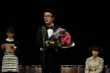 「第35回 ヨコハマ映画祭」助演男優賞を受賞したリリー・フランキー。