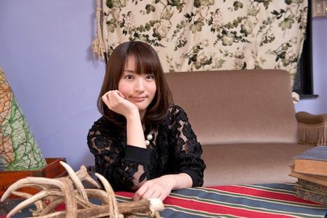 ナタリーPower Pushでは小松未可子の最新シングル「Sail away」の発売を記念したスペシャルインタビューを公開中。