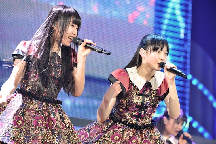 廣田あいか(左)と松野莉奈(右)。