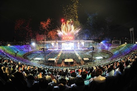 L'Arc-en-Ciel「L'Arc-en-Ciel LIVE 2014 at 国立競技場」3月22日公演の様子。(撮影:緒車寿一、今元秀明、岡田貴之、田中和子)
