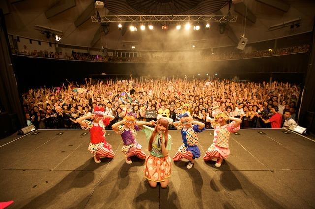 きゃりーぱみゅぱみゅ「NANDA COLLECTION WORLD TOUR 2014」オーストラリア公演の様子。(撮影:石井亜希)