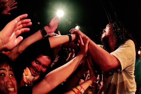 "G-FREAK FACTORY「""S.O.S"" TOUR 2013-2014」東京・Shibuya eggman公演の様子。(Photo by HayachiN)"
