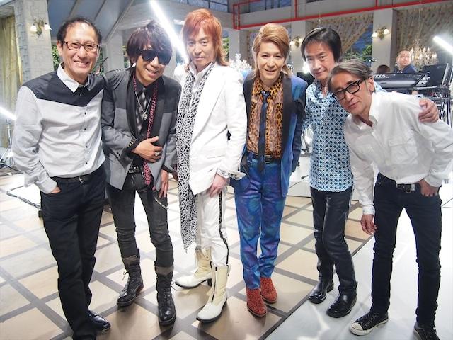 TM NETWORK「Self Control」のスタジオライブには、番組の音楽監督・武部聡志(Key)と、同曲オリジナルのレコーディングメンバー・小田原豊(Dr)、鳥山雄司(G)も参加した。