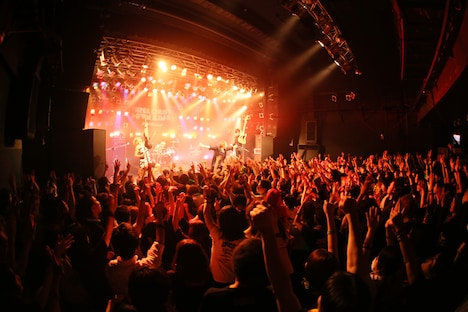THREE LIGHTS DOWN KINGS「LiVERTY TOUR 2014 -FINAL SERIES-」愛知・ElectricLadyLand公演の模様。(Photo by AARON MASTERSON)