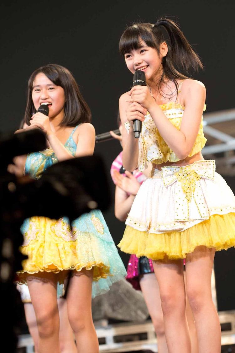 審査員特別賞(歌)を受賞した田口夏実、浜浦彩乃(左から)。