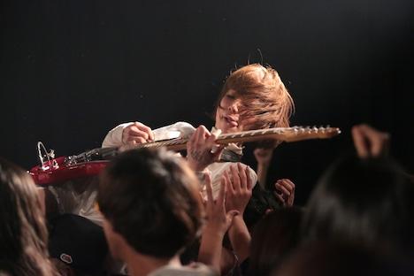 後藤まりこのライブの様子。(撮影:佐藤祐紀)