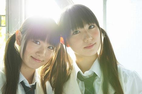 左からAsuka(姉)、kyoka(妹)。