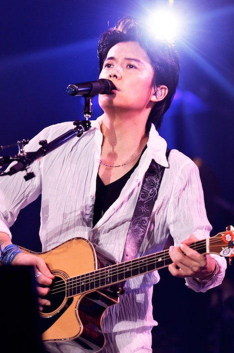 福山雅治「FUKUYAMA MASAHARU WE'RE BROS. TOUR 2014 HUMAN」の様子。