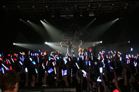 「May'n Road to 10th Anniversary Japan & World Tour 2014-2015『dots and lines』」台湾公演の様子。
