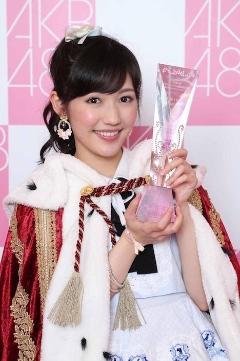 「AKB48 37thシングル選抜総選挙」1位に輝いた渡辺麻友。 (c)AKS