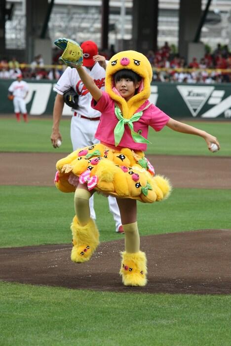左腕で見事な投球を見せた廣田あいか投手。