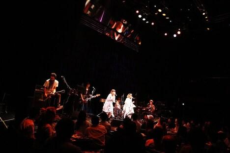 PUFFY「はじめてのBillboard Show」Billboard Live TOKYO公演の様子。