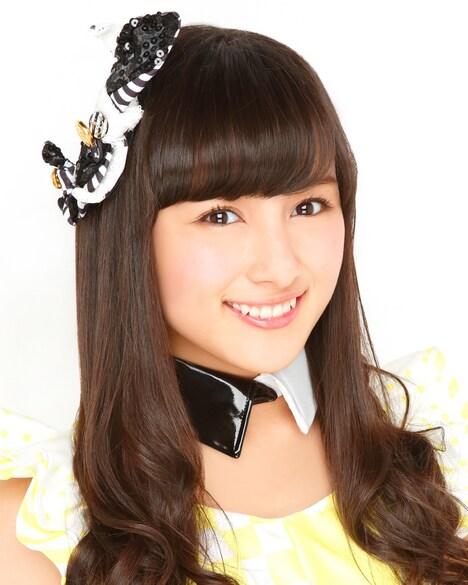 與儀ケイラ (c)NMB48
