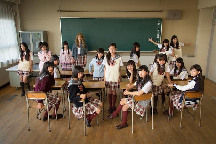 「少女劇団いとをかし」のメンバー18人。