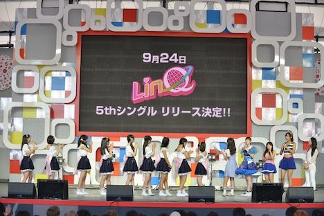 本日8月3日に行われた「東京アイドルフェスティバル」で「ウェッサイ!!ガッサイ!!」リリースが発表されたときの様子。