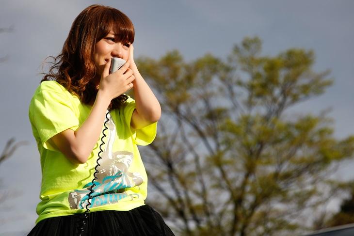 国立競技場での卒業公演中止を受け、ファンにメッセージを送る大島優子。 (c)AKS