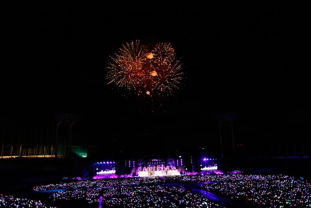 乃木坂46「真夏の全国ツアー2014」明治神宮野球場公演の様子。