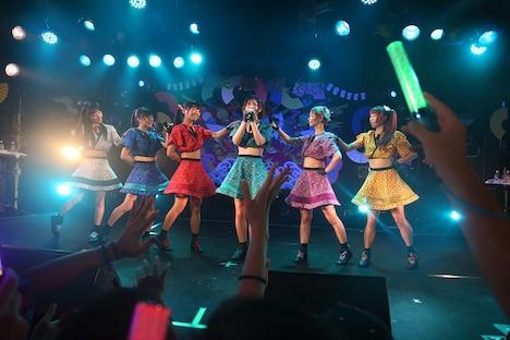「CUPNOODLE presents でんぱ組.incスペシャルライブ~2014年ボクらは、FUJIYAMAのある国で現代のSAMURAIと出会う!~」東京・渋谷CLUB QUATTRO公演の様子。