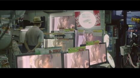 乃木坂46「私、起きる。」PVのワンシーン。