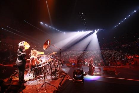 写真は9月30日の横浜アリーナ公演の様子。