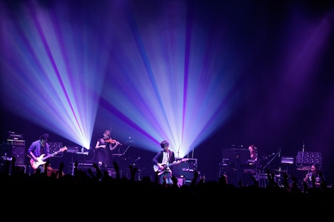 TK from 凛として時雨 TOUR 2014「Fantastic Color Collection」東京・Zepp DiverCity TOKYO公演の様子(撮影:河本悠貴)