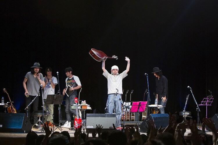 奥田民生「いきあたり股旅」道新ホール公演の様子。 (撮影:山本倫子)