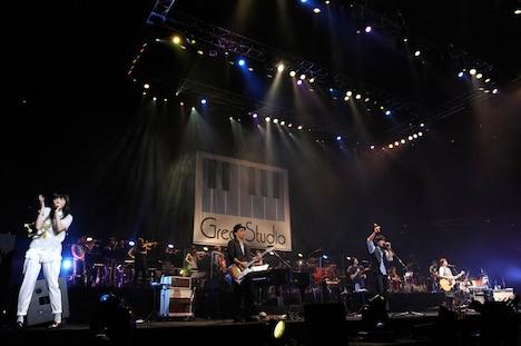 「『Great Studio Live at BUDOKAN』~バラスーシな奴らがやって来るヤァ!ヤァ!ヤァ!~」の様子。 (撮影:冨田望)