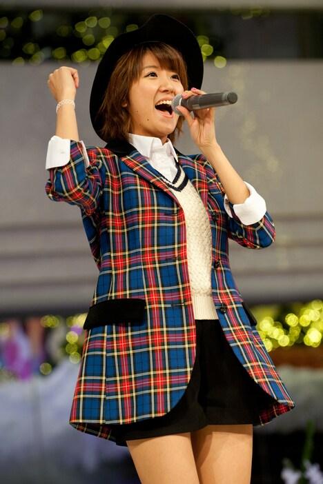 2014年のイベントでhの徳永千奈美。
