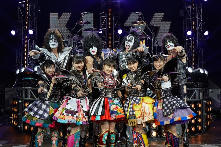 ももいろクローバーZ vs KISS(Photo by Hiroshi Manaka)