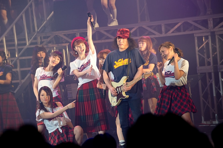 「祝 THE ポッシボーJapanツアー2014 ~8年かかりましたわ~」東京・中野サンプラザホール公演の様子。