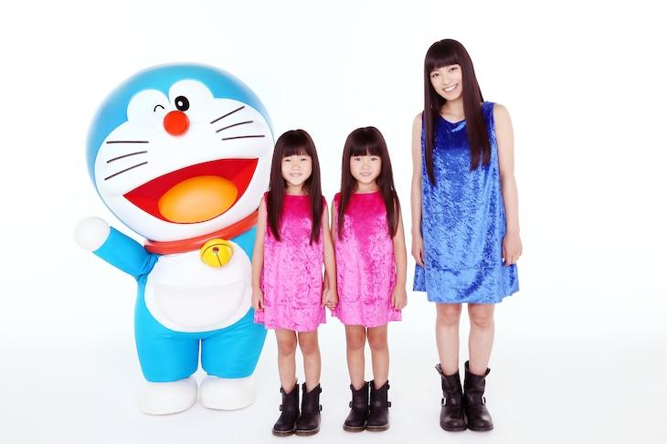 左からドラえもん、ミニ☆ミワズ、miwa。 (c)藤子プロ・小学館・テレビ朝日・シンエイ・ADK
