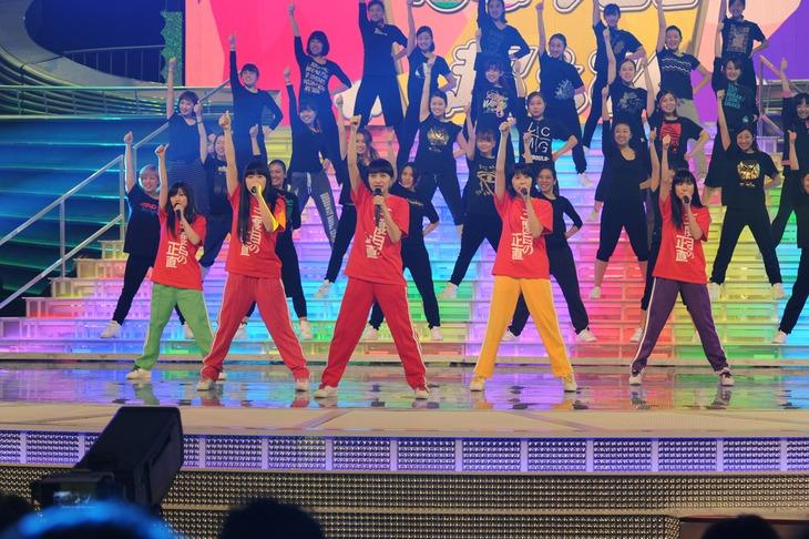 昨日12月29日に行われた「第65回NHK紅白歌合戦」リハーサルでのももいろクローバーZ。一番左が有安杏果。