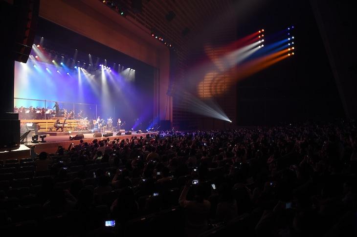 「虹色オーケストラ」東京国際フォーラム公演の様子。