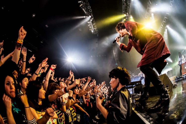 「PUNISHER'S NIGHT 2015」Zepp Nagoya公演でのBIGMAMAのライブの様子。(撮影:浮多月)
