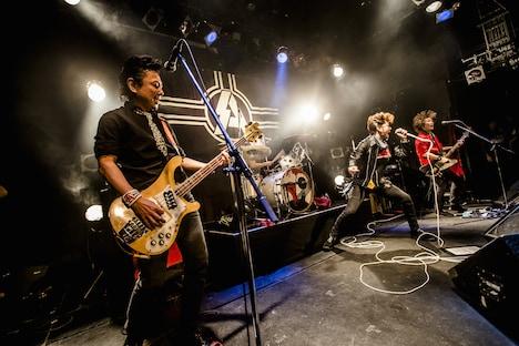 「SA 2015 OPENING UP TOUR <起>」東京・UNIT公演の様子。(撮影:青木カズロー)