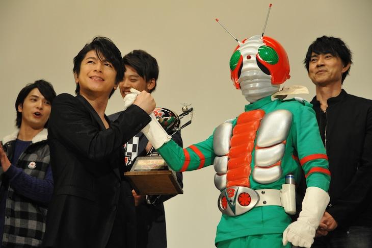 及川光博と仮面ライダーV3。