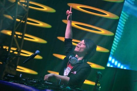 DJ YOSHITAKA