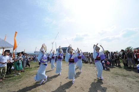 会場内を練り歩き、来場者も一緒に参加して踊れる「CARNIVAL」枠として、阿波踊りや盆踊りの団体も出演。