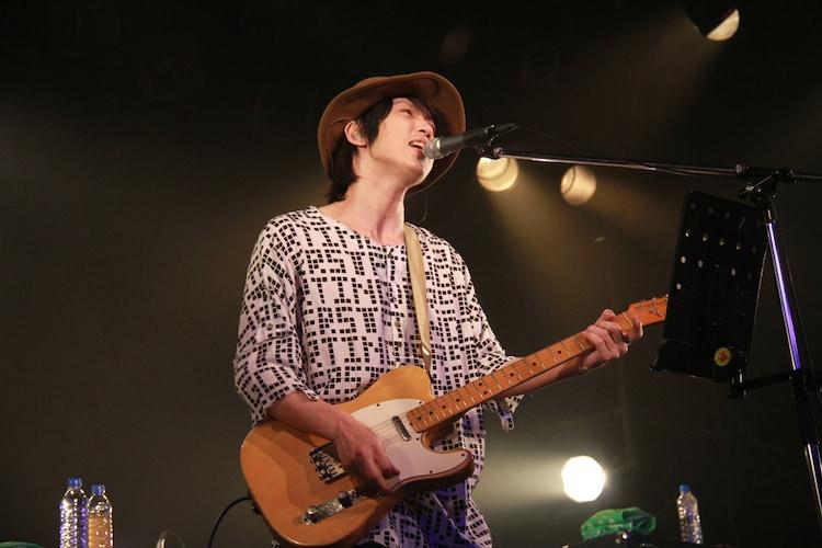 クボケンジ(Vo, G)(Photo by w.mdzk)