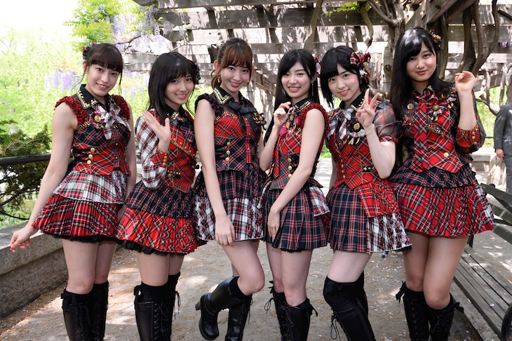 「JAPAN DAY@CENTRAL PARK 2015」出演時のAKB48。(c)AKS