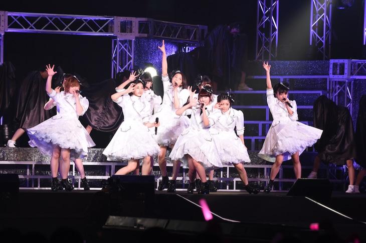 「アンジュルム STARTING LIVE TOUR SPECIAL @日本武道館『大器晩成』」ライブの様子。