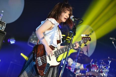 藤咲佑(B)(Photo by AZUSA TAKADA)