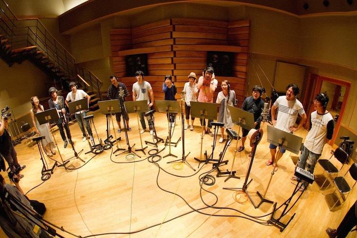 「根無し草ラプソディー 2015」レコーディングの様子。