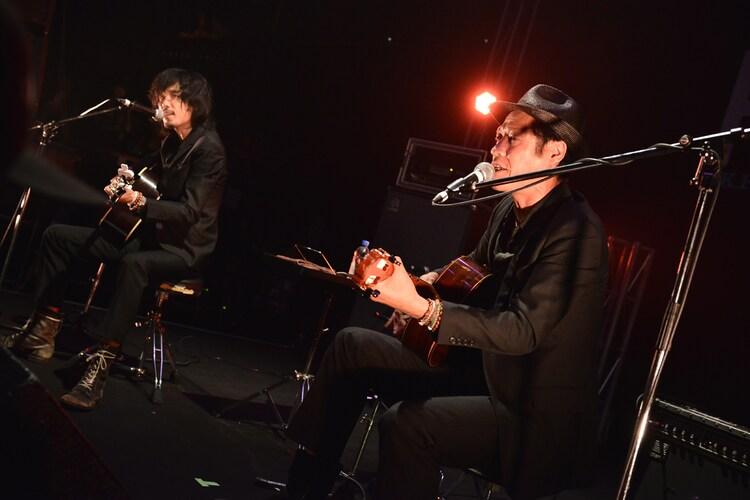 武藤昭平 with ウエノコウジ(Photo by AZUSA TAKADA)