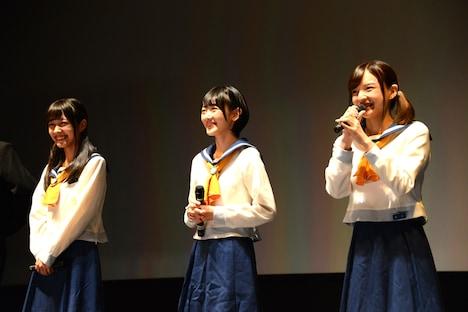 「コープスパーティー」ヒット御礼舞台挨拶の様子。左から前田希美、生駒里奈、喜多陽子。