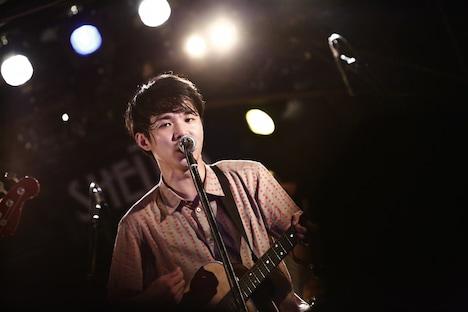 山本剛義(Vo, G)(撮影:大畑幸子)